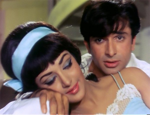 shashi kapoor and hema malini together in abhinetri