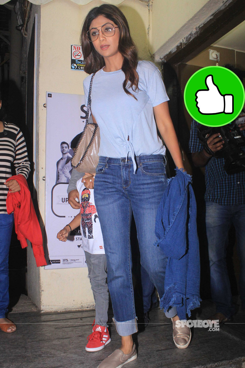 shilpa shetty poses for the shutterbugs