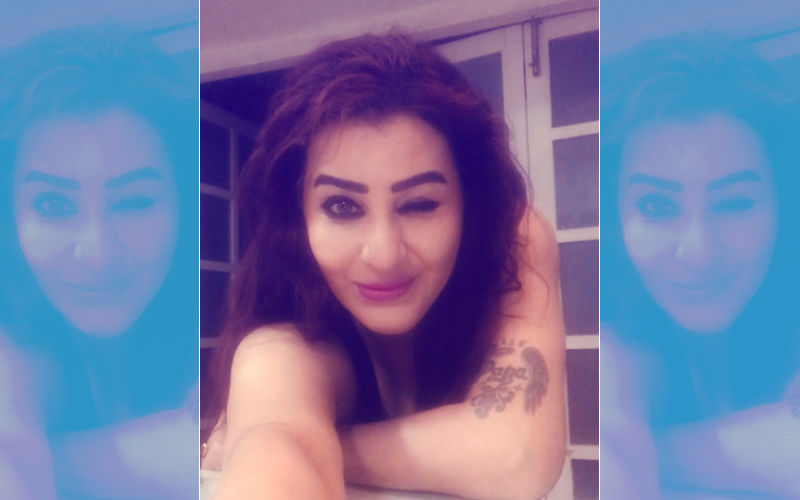 Post Dirty Comments On Her Hair, Body And Nose, Shilpa Shinde Shares Picture In The Same Attire Again– With A Wink!