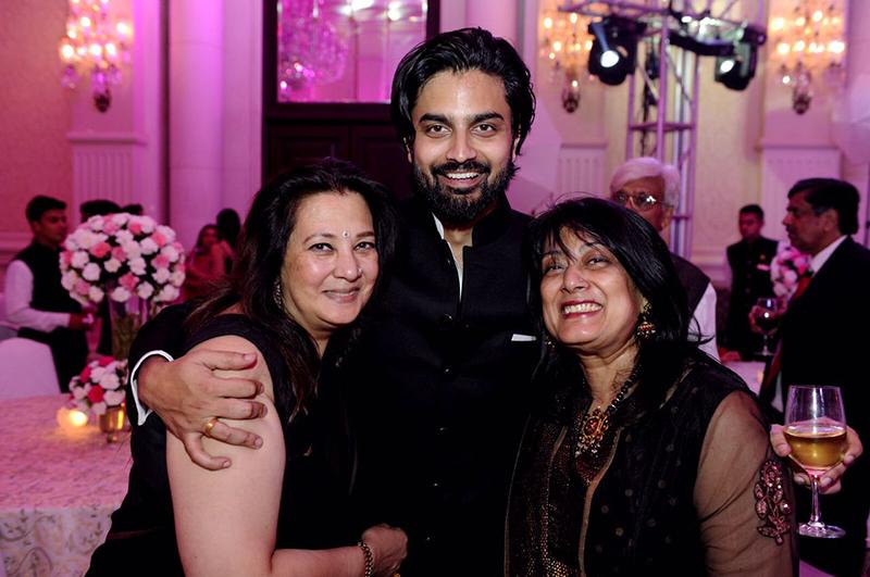 shivam tewari with the ladies