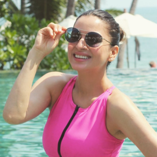 shraddha arya by the beach