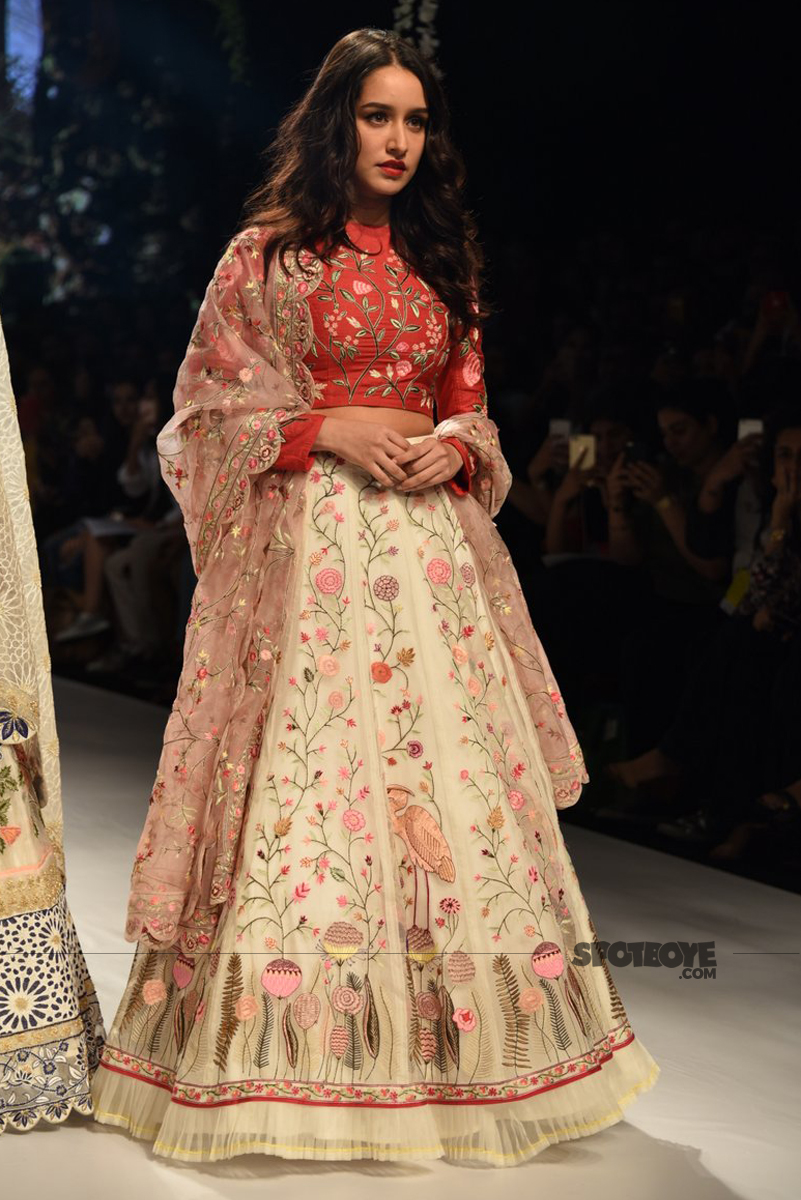 shraddha kapoor at the lakme fashion week