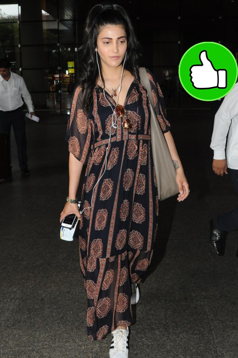 shruti haasan at the airport