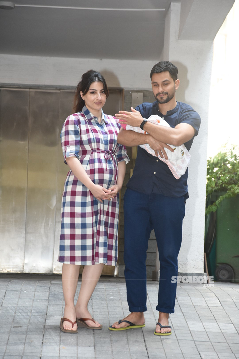 soha ali khan and kunal kemmu bring home their daughter inaaya naumi kemmu