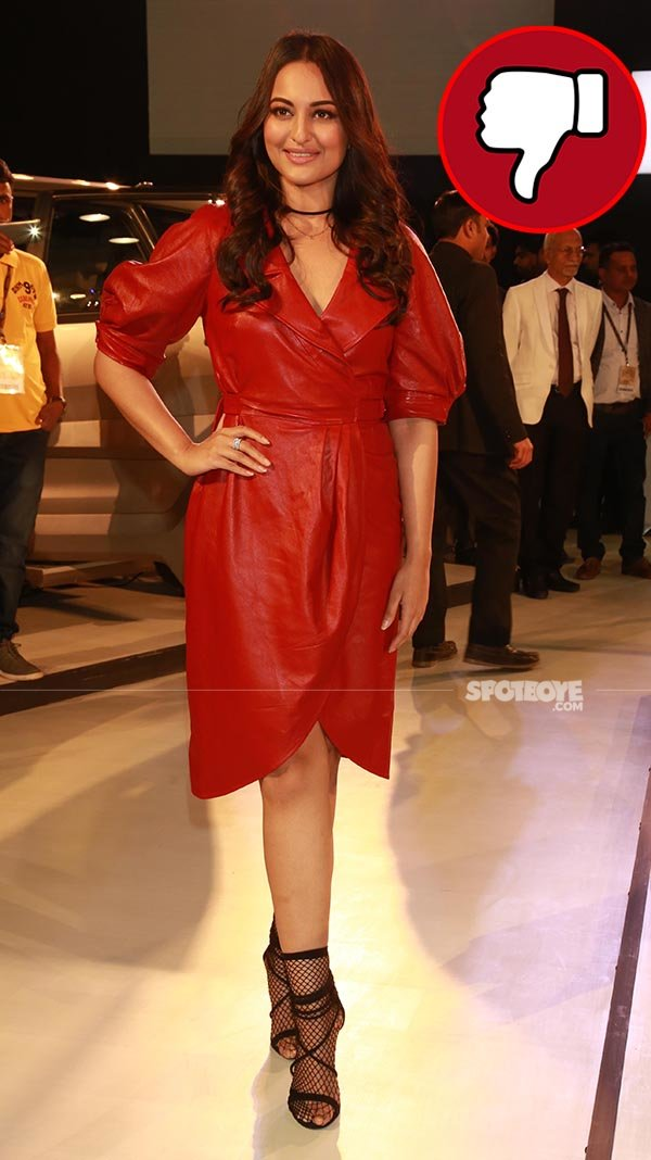 sonakshi sinha at auto expo