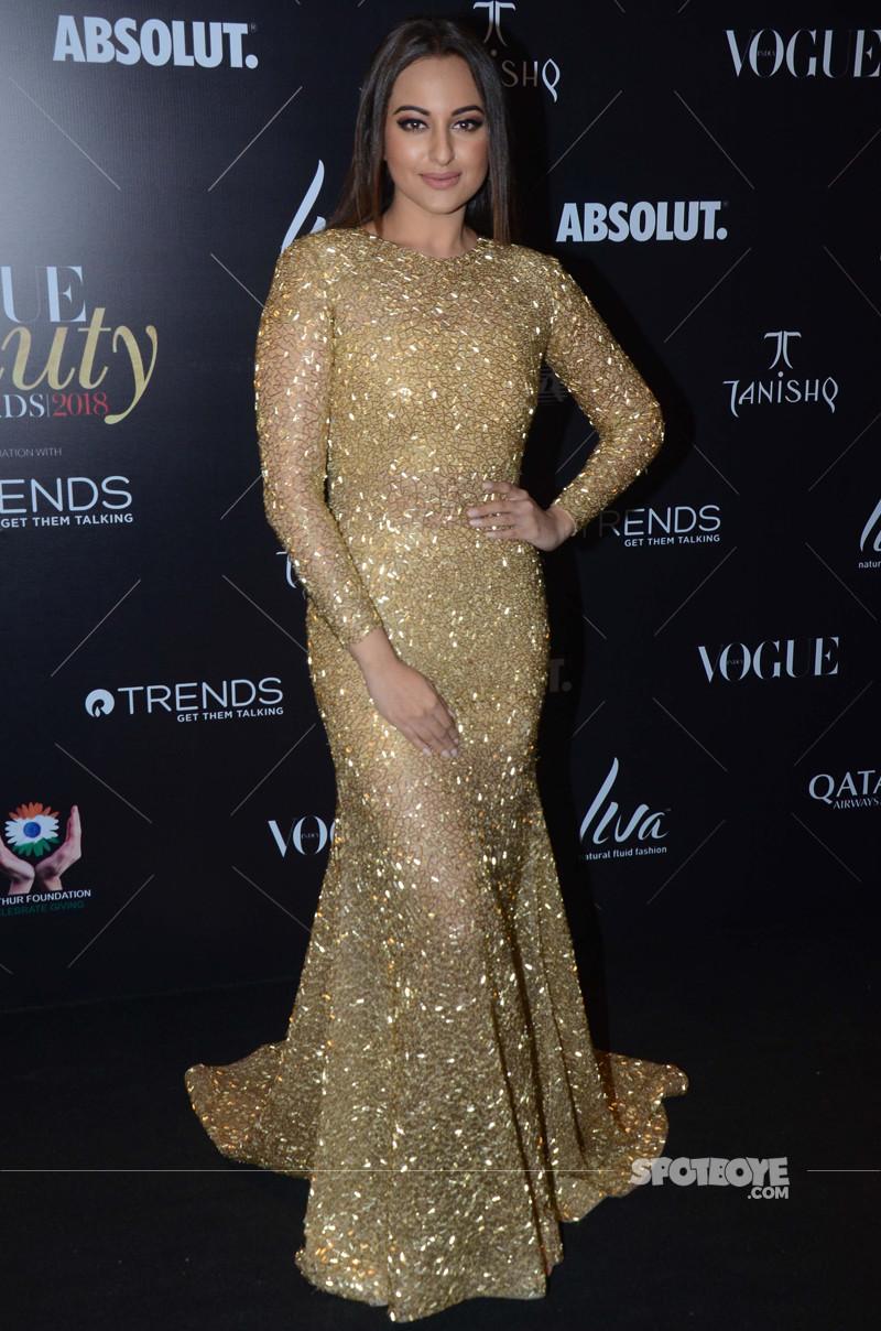 sonakshi sinha at vogue beauty awards 2018