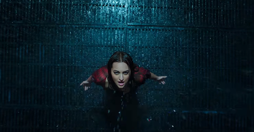 sonakshi sinha in ittefaq movie