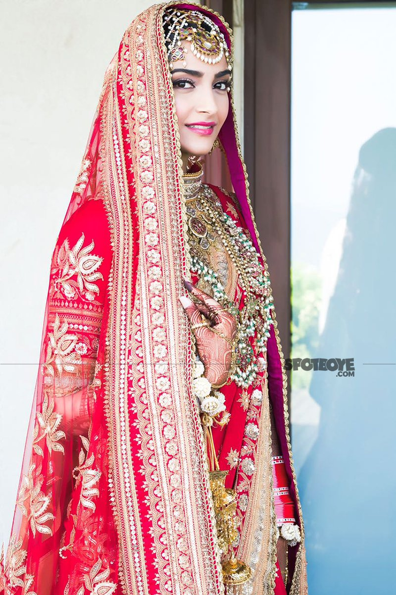 sonam kapoor poses for a picture