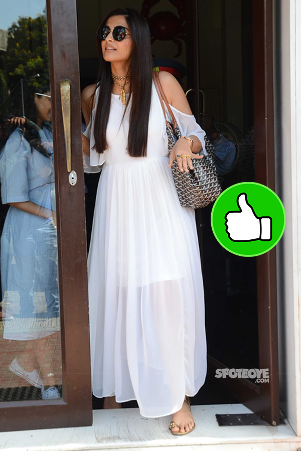 sonam kapoor post lunch at bastian
