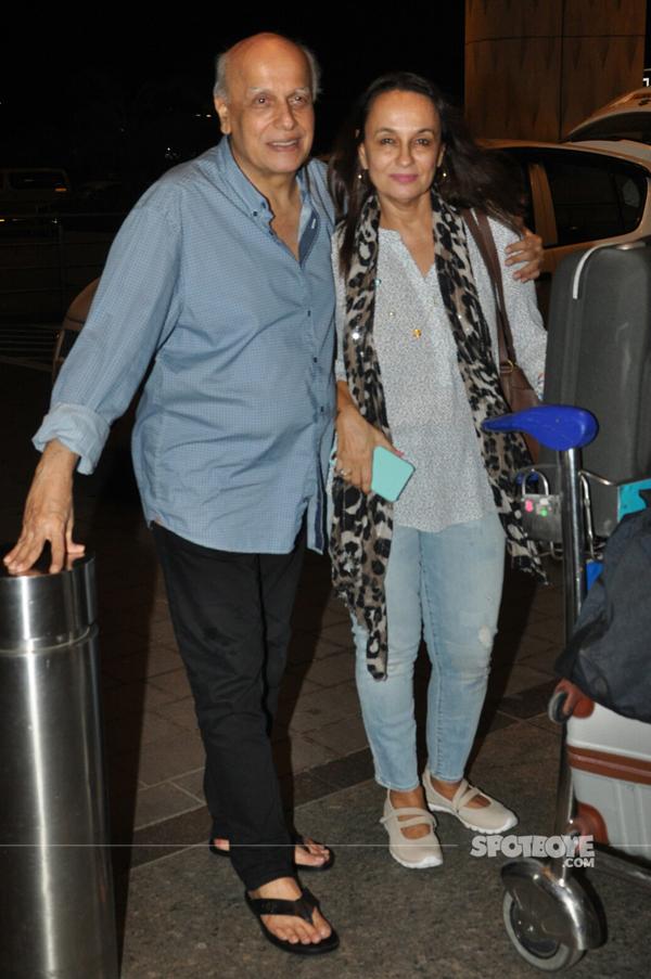 soni razdaan mahesh bhatt at the airport