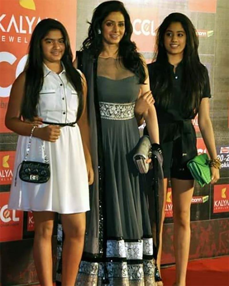sridevi with jhanvi and khushi