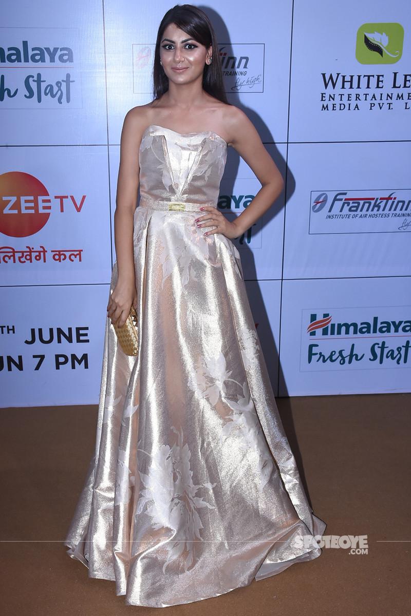 sriti jha at gold awards 2018