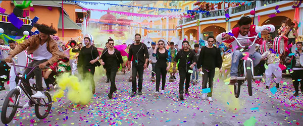 stills from golmaal again