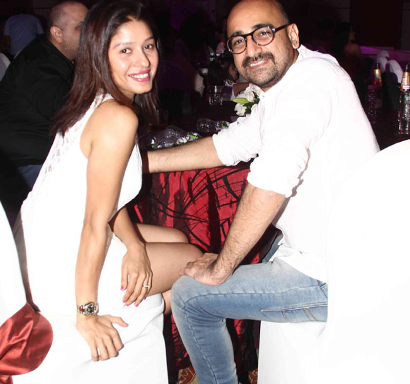 sunidhi chauhan hitesh sonik at pyaar ka punchnama success party