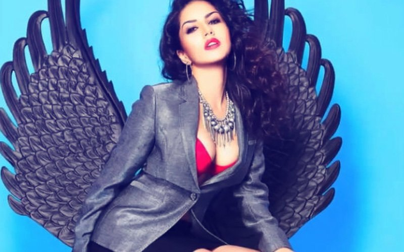 REVEALED: Hottie Sunny Leone Was Blacklisted At A Bollywood Awards Show