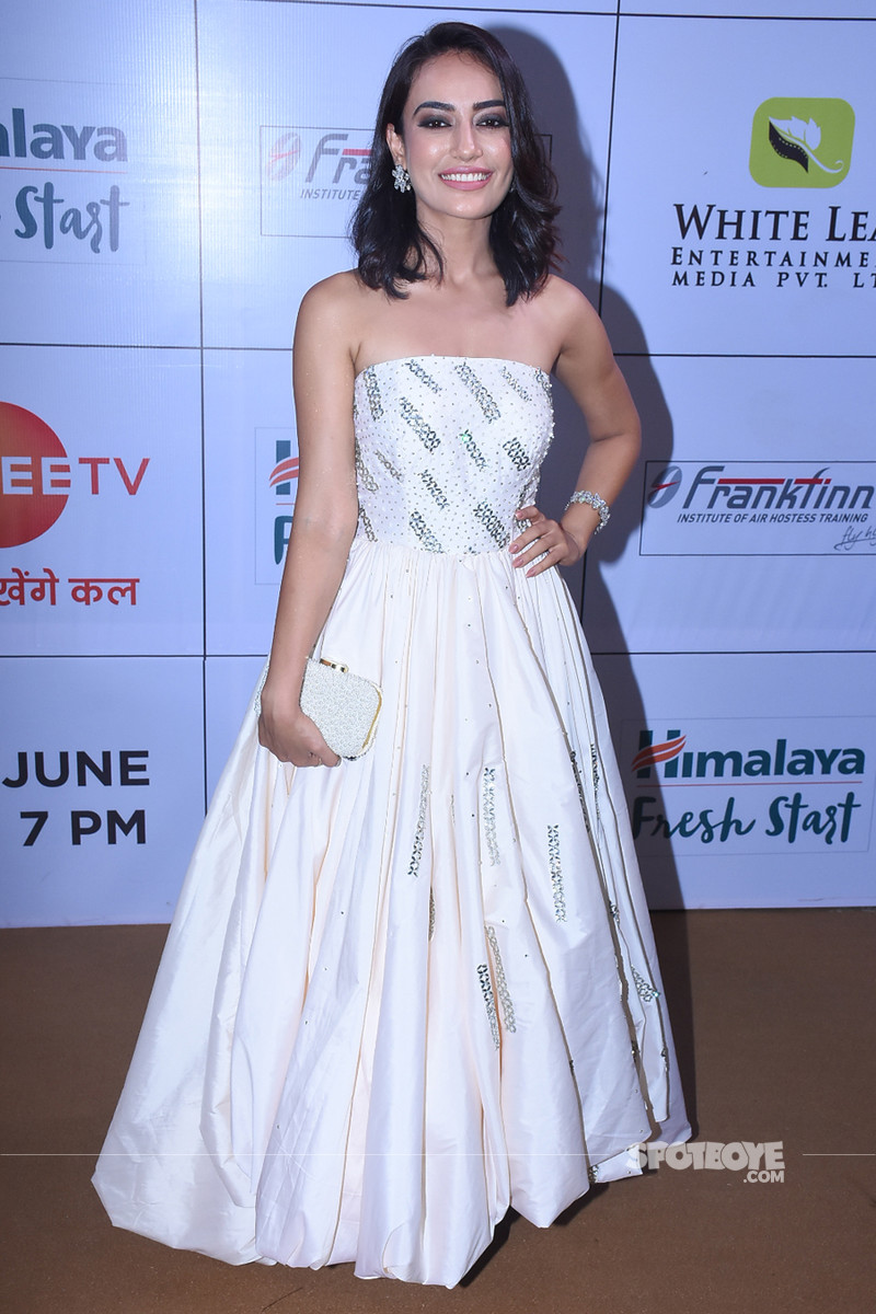 surbhi jyoti at gold awards 2018
