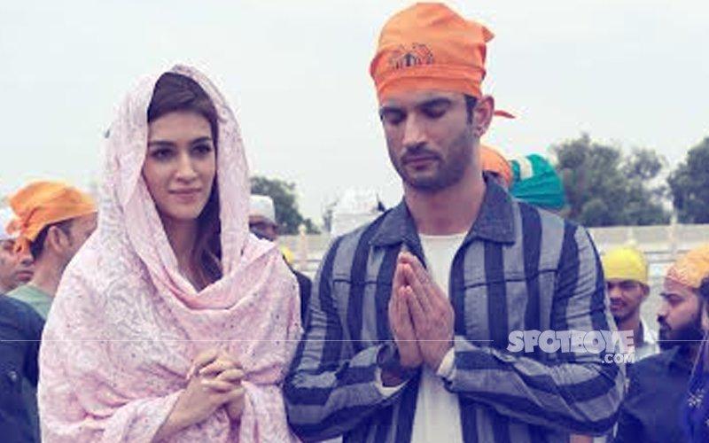 Sushant Singh Rajput And Kriti Sanon Visit Gurudwara Bangla Sahib In Delhi
