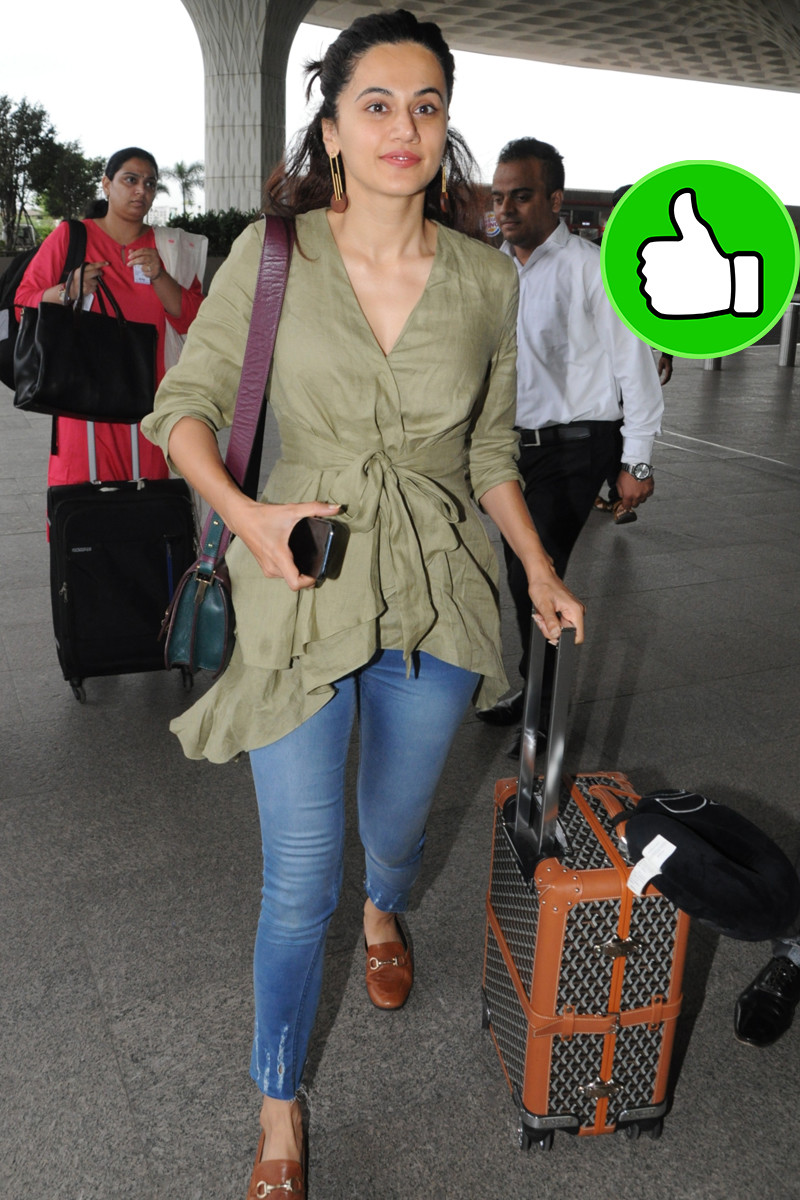 taapsee pannu snapped at mumbai airport