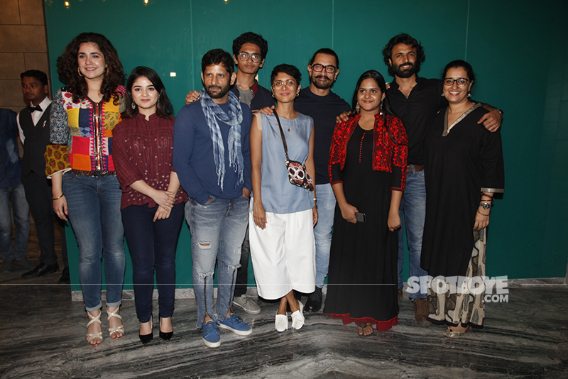 team secret superstar pose for shutterbugs