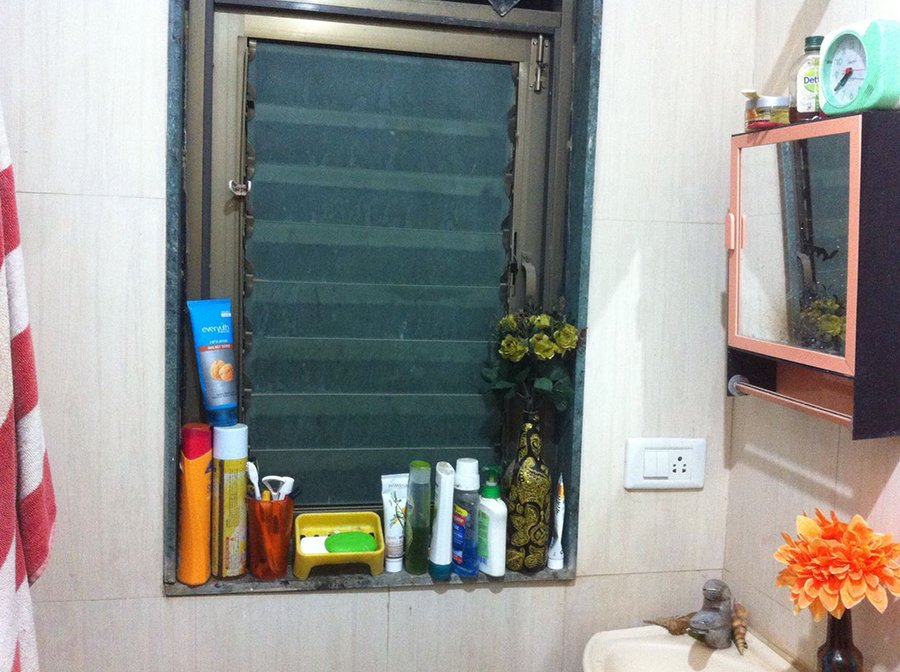 the bathroom from where arpita allegedly jumped