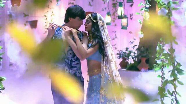 the radha kishan jodi mohsin khan kissing shivangi joshi yeh rishta kya kehlata hai