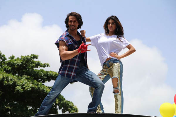 tiger shroff and nidhhi agerwal in munna michael