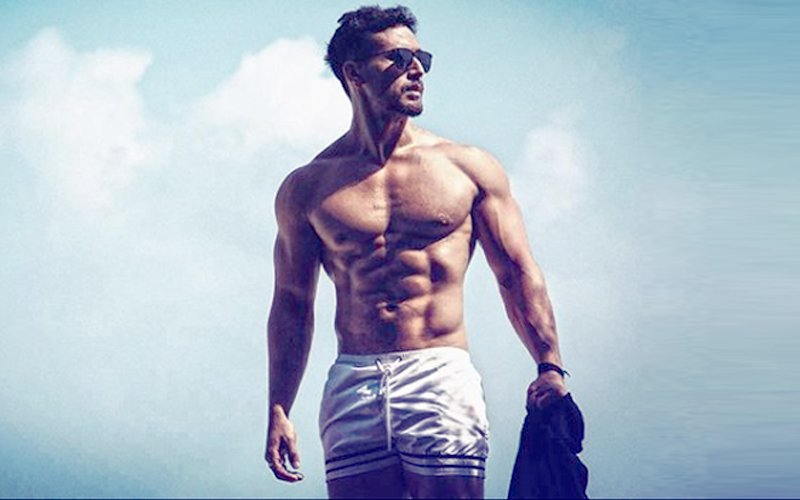 VIDEO: Tiger Shroff MESMERISES As He Kicks, Punches & Flaunts His Droolworthy Abs