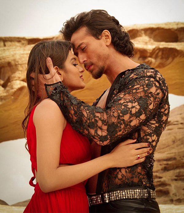 tiger shroff nidhhi agerwal romancing in munna michael