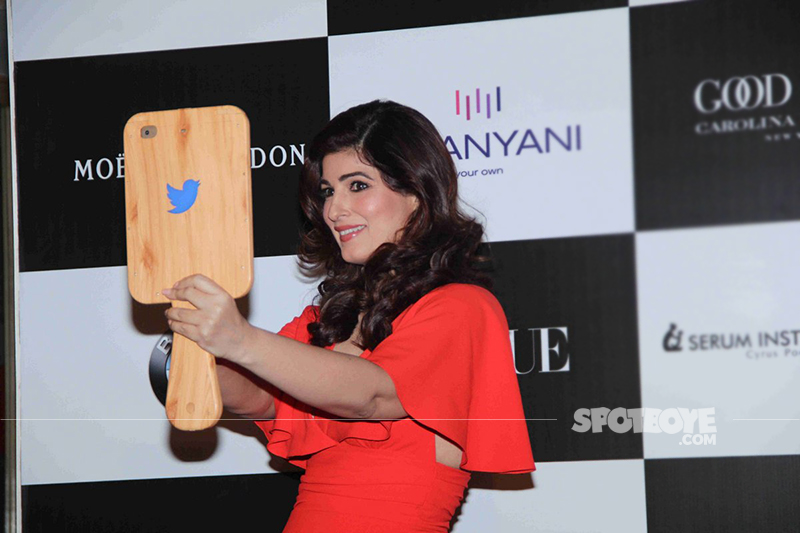 twinkle khanna takes a selfie