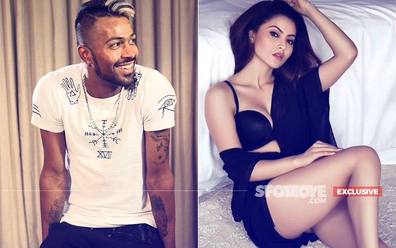 Urvashi Rautela & Hardik Pandya Had Eyes & Ears Only For Each Other At A Recent Bash