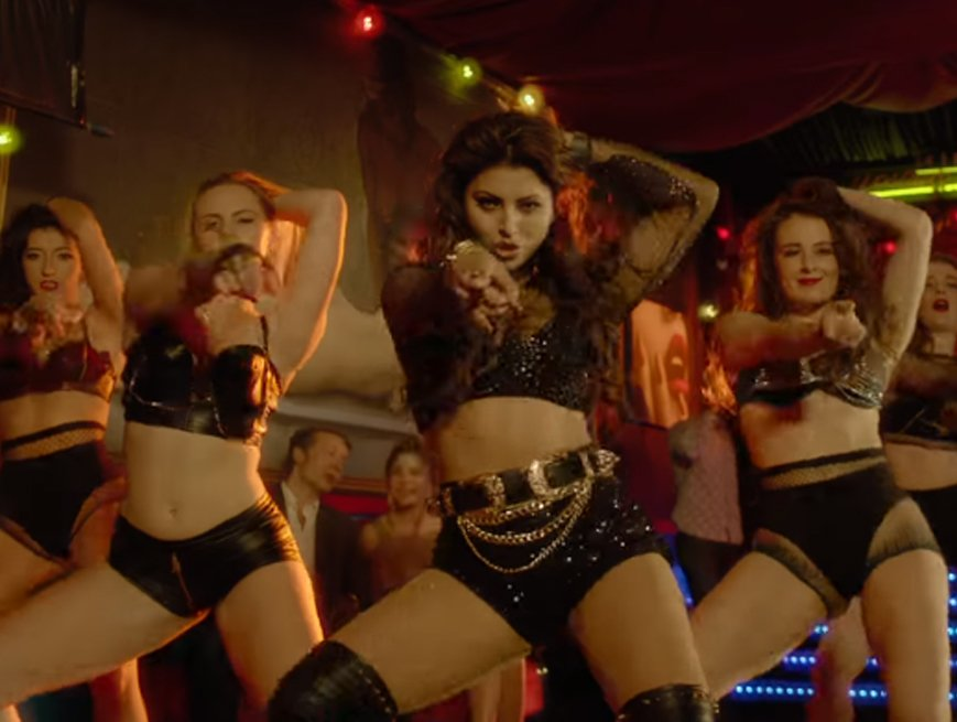 urvashi rautela awesome moves