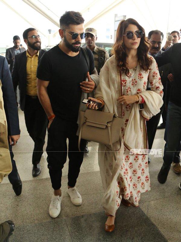 virat kohli anushka sharma spotted at delhi airport