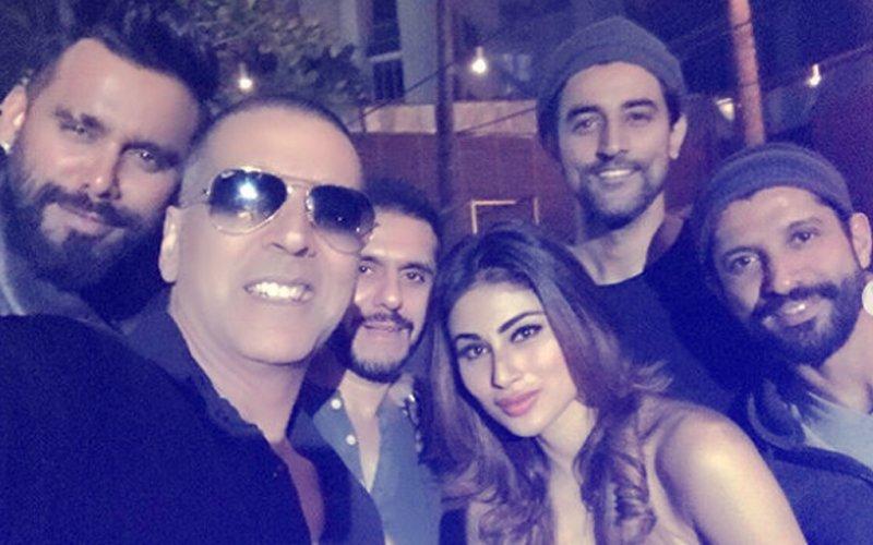 Gold Wrap-Up Bash: Akshay Kumar, Mouni Roy, Farhan Akhtar PARTY HARD!