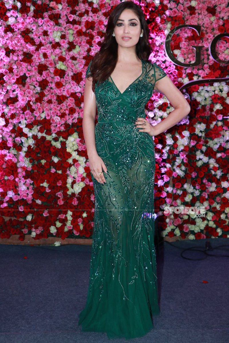 yami gautam at lux golden rose awards