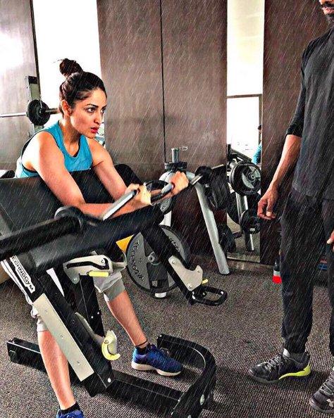 yami gautam working out in gym
