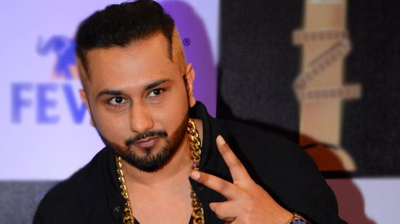 yo yo honey singh in his iconic pose