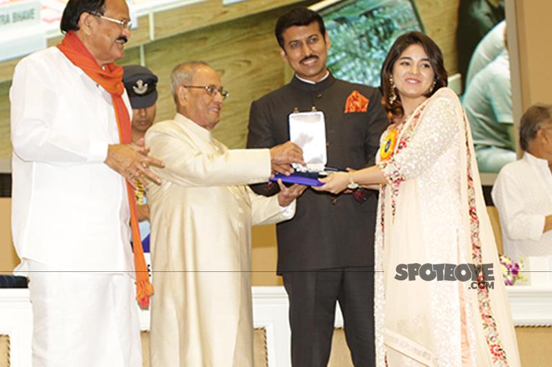 zaira wasim recieves a national award