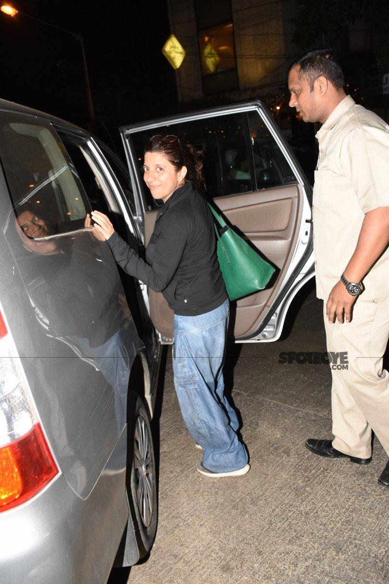 zoya akhtar steps into the car
