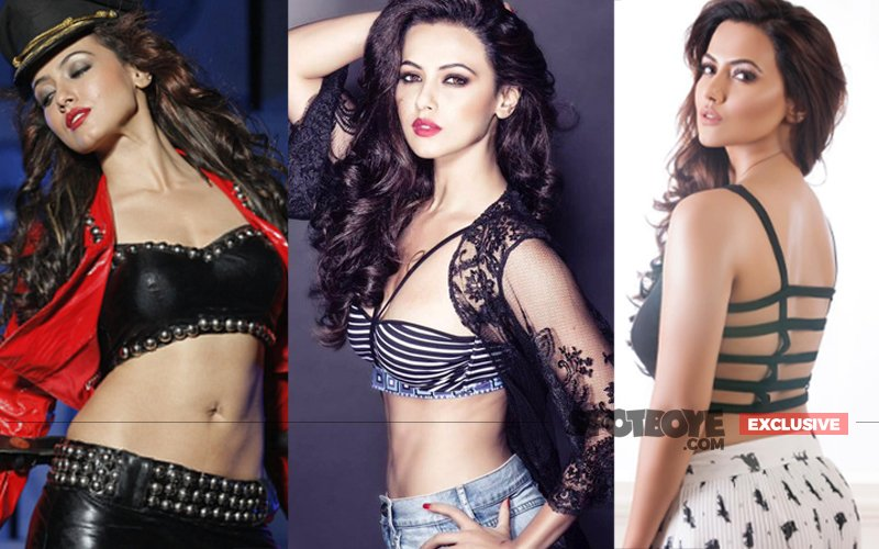 Hot Bod Sana Khan's Wild & Passionate Affair With Director