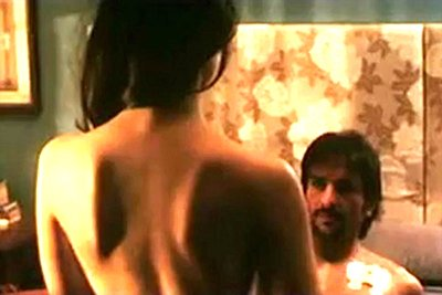Kareena_kapoor_hot-scene_Kurbaan_movie.jpg