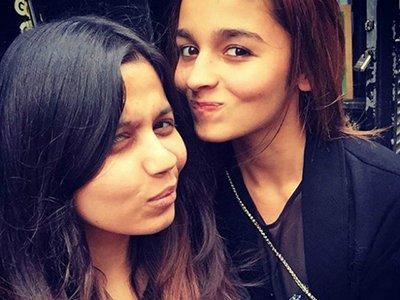 alia-bhatt_with_her_sister.jpg