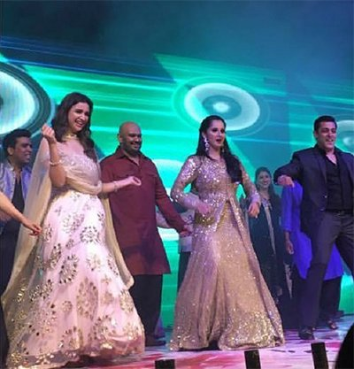 salman_khan_at_sania_mirza_sister_wedding_shaking_his_during_dance.jpg