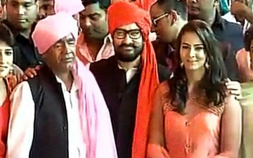CAPTURED: Aamir Khan Attends Wrestler Geeta Phogat's Wedding In Haryana