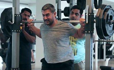 Aamir Khan working on the dumbells