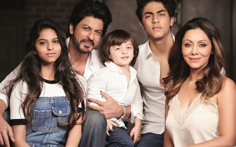 FIRST FAMILY PICTURE: Aryan, Suhana And AbRam Coordinate In Denim With Shah Rukh And Gauri