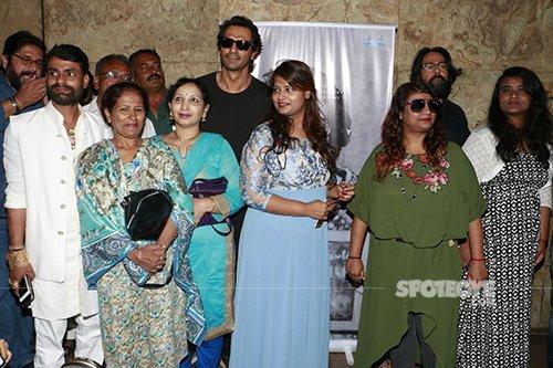 arjun rampal with arun gawli family at daddy launch