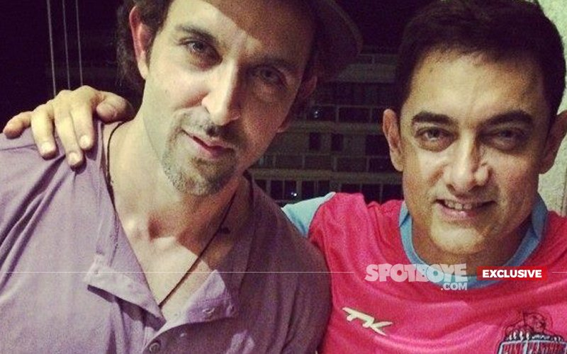 Aamir Khan Opens His Arms To Hrithik Roshan's Kaabil