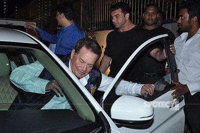 sohail khan escorts salim khan