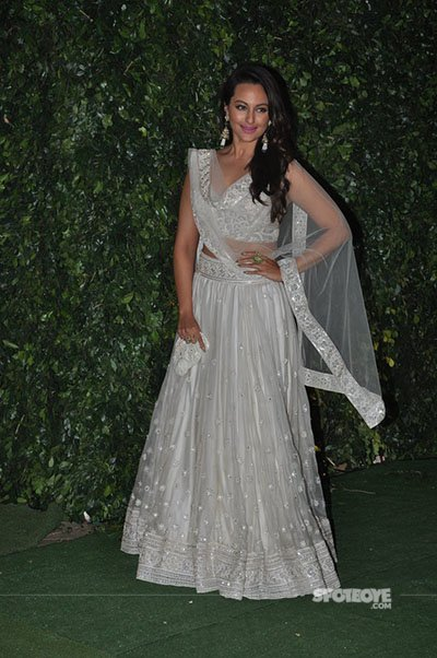 sonakshi sinha at ronnie screwala daughter wedding