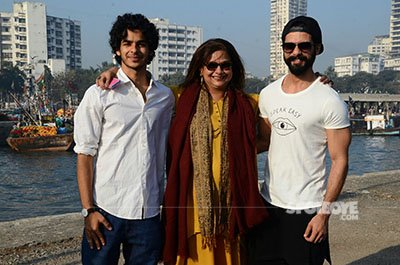 shahid kapoor with brother ishaan khatter with mother neelima on the sets of his debut film